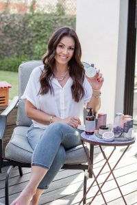 Alessandra- Shirley-holding-her-products